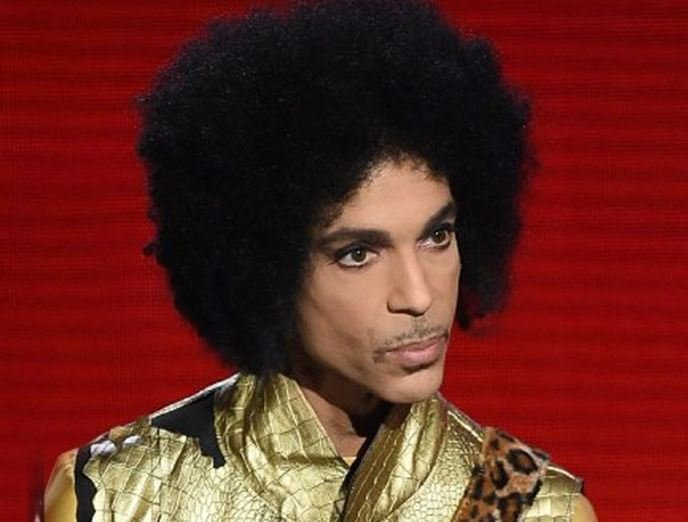 Legendary pop star Prince dies at age 57