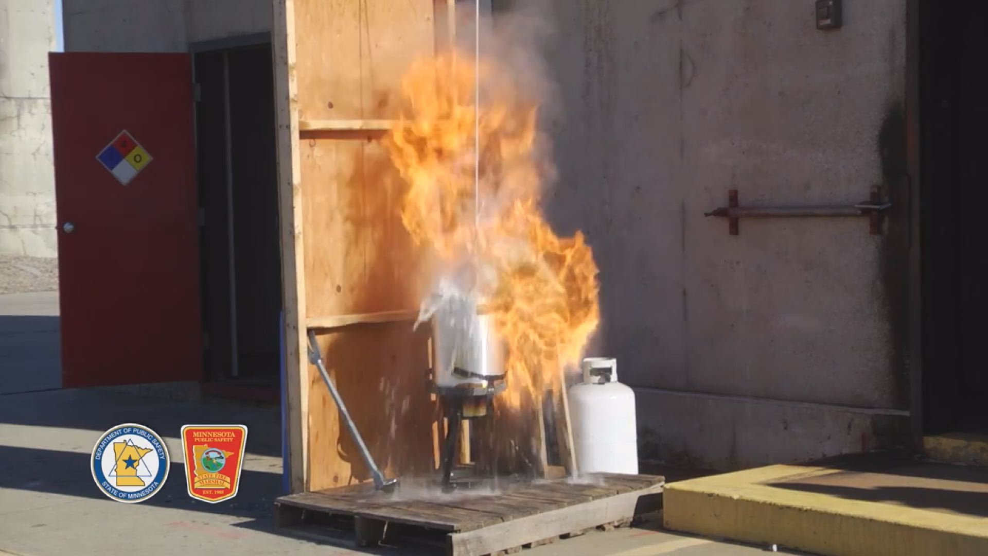Turkey Frying on Thanksgiving Grease Safety Tips