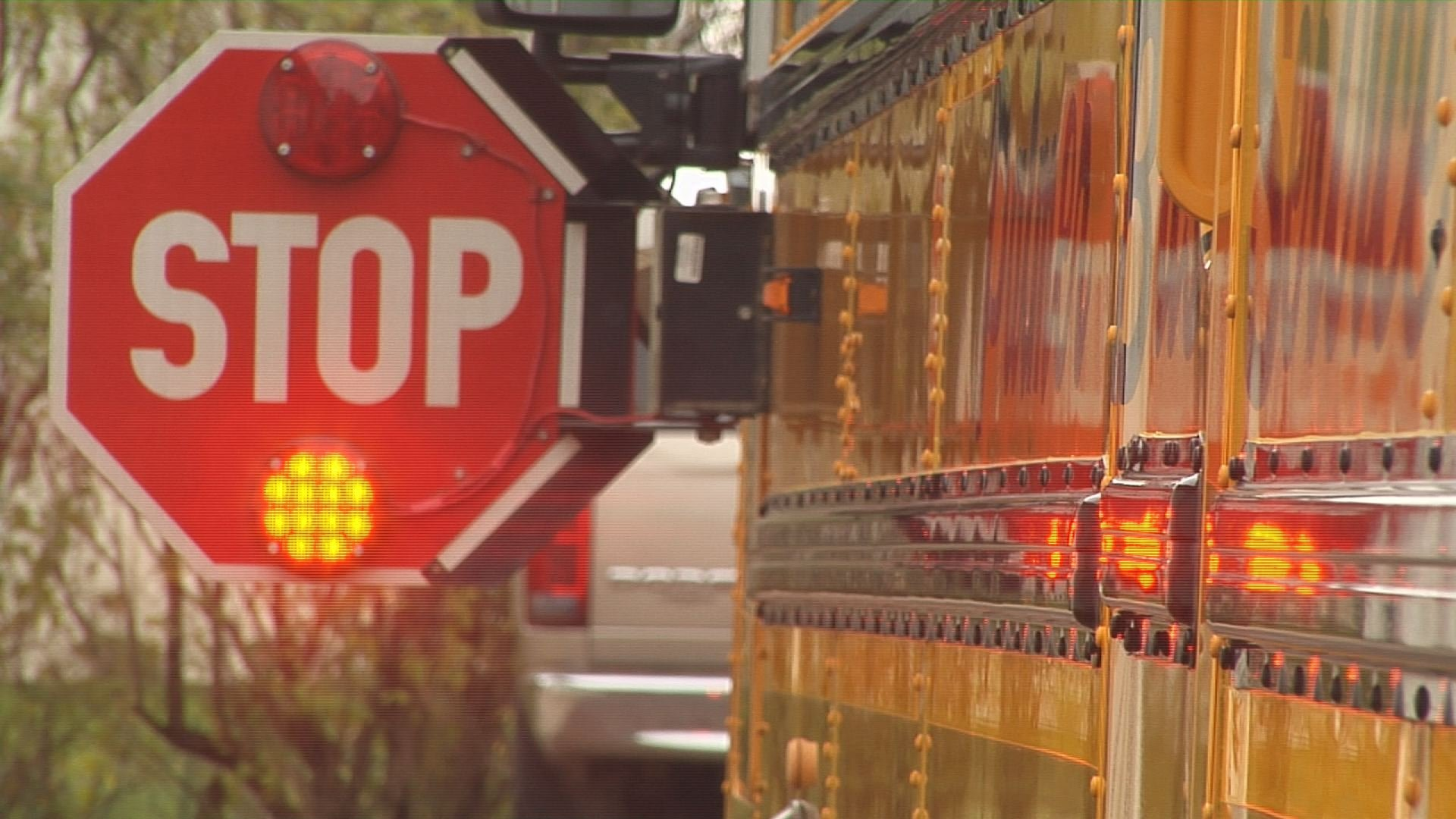 Fines to increase in Minn. for failing to stop for school buses