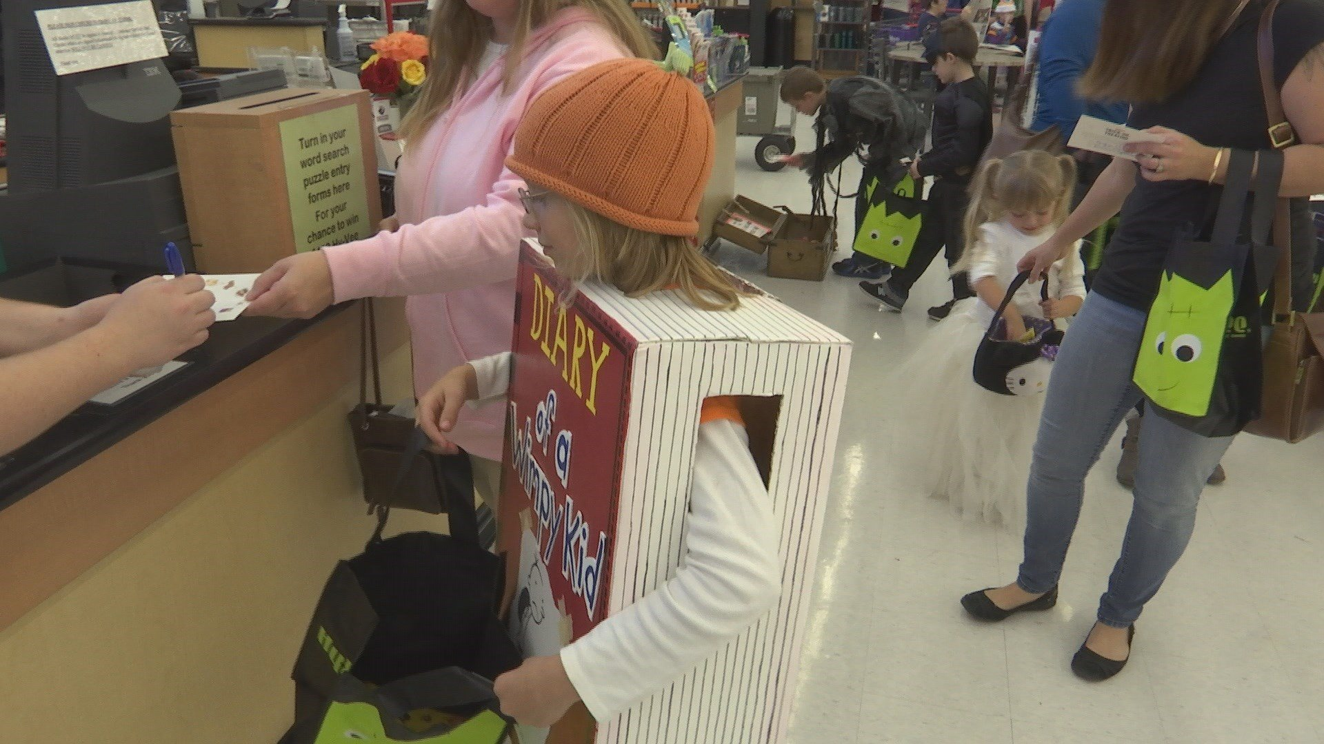 Hy-Vee Hosts 3rd Annual Halloween Party