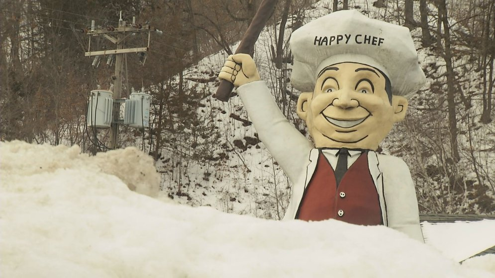 the man behind the statue meet the happy chef voice keyc com